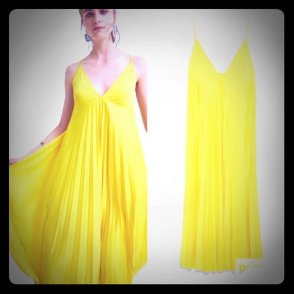Zara Dresses & Skirts - Zara yellow pleated dress